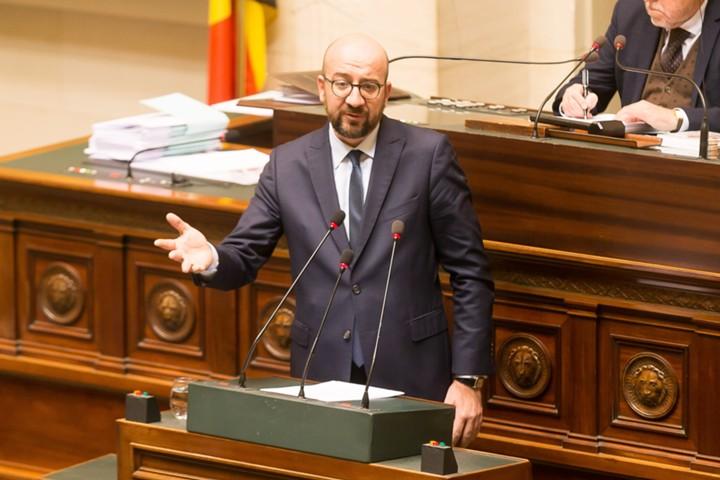 Премьер-министр Бельгии объявил об отставке после распада правящей коалиции и протестов из-за миграционного пакта