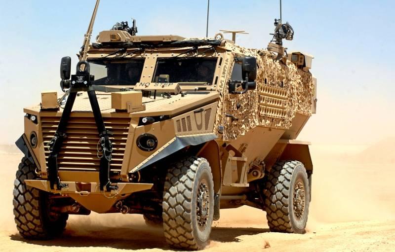 Британия представила свою новую миностойкую бронемашину Foxhound 4X4 MRAP