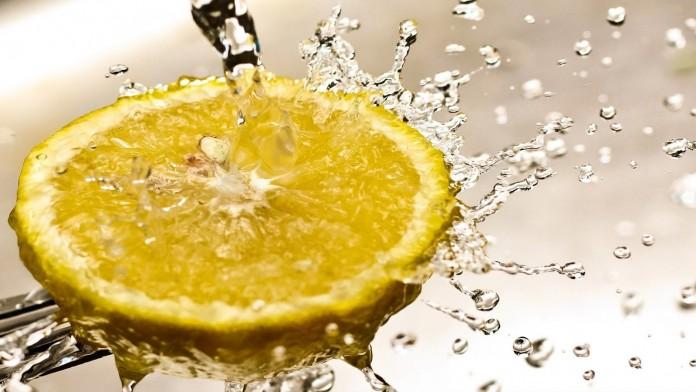 17 причин пить теплую воду с лимоном