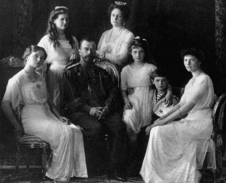 100 лет со дня расстрела царской семьи. Скандал в Сети с карикатурой на Николая II