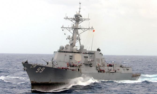 ТВ: моряк ВМС США погиб в Бахрейне, выпав с балкона гостиницы