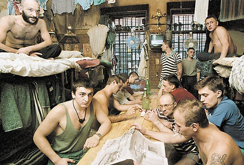 v-armii-nakazivayut-zhestko-porno