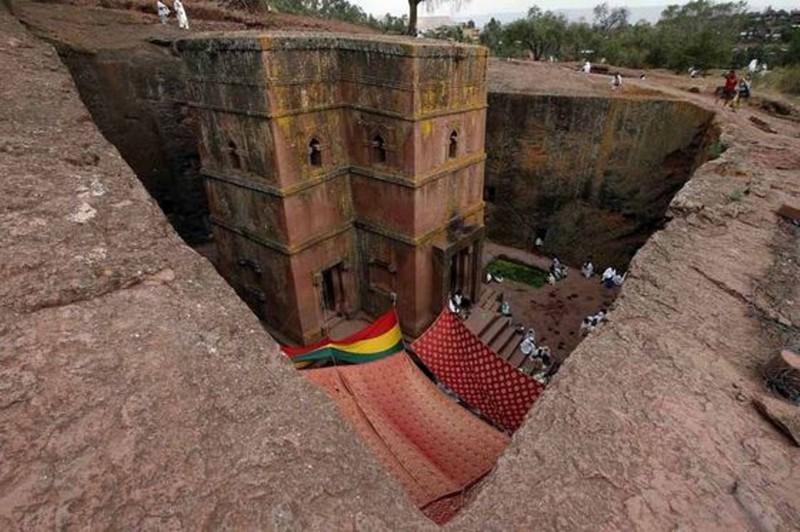 Храм Св. Георгия (Эфиопия) красиво. необычно, храм. мир