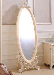 Напольное зеркало на подставке