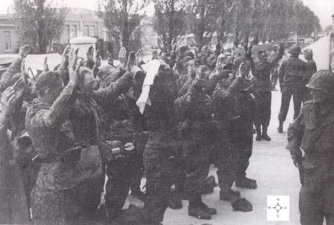 Резня в концентрационном лагере Дахау . Германия 1945 г. ( +18 )