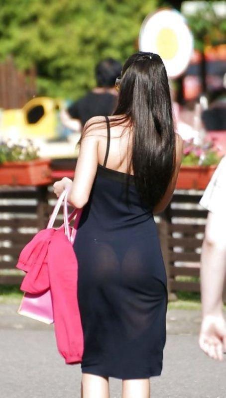 Девушки в прозрачной одежде на улиц фото видео фото 301-534
