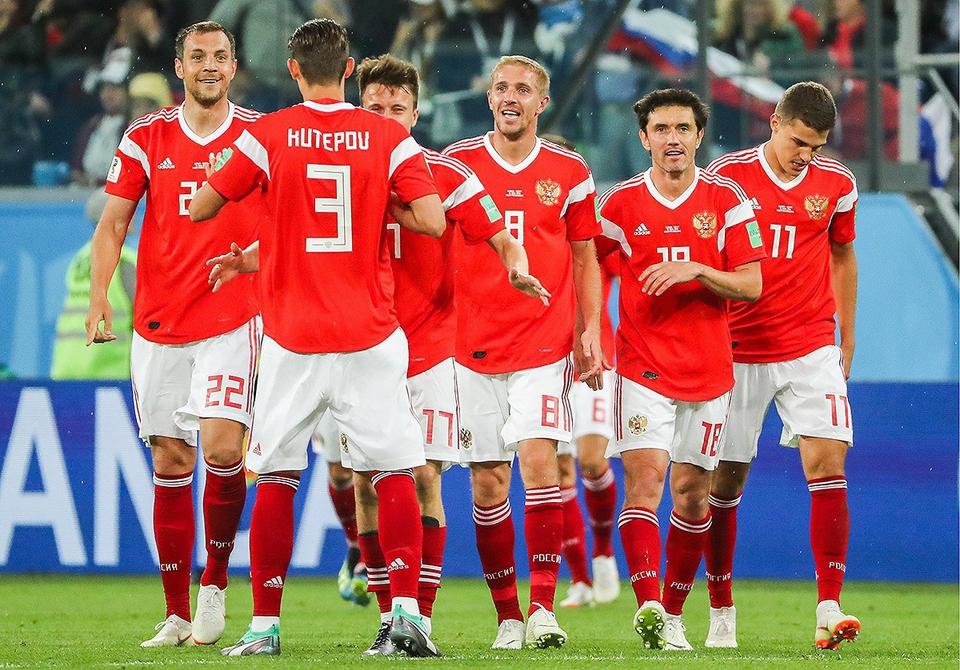 Испания открыла счет в матче…