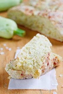 Кабачковый хлеб с сыром