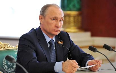 Путин освободил от должности главу Архангельской области