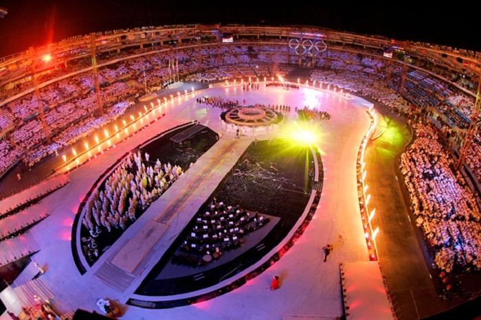 Грандиозное открытие зимней Олимпиады в Турине 2006 году.