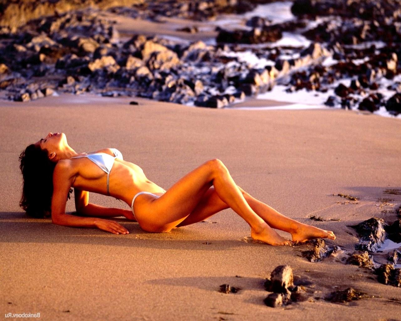 Приколы надиком пляже 7 фотография