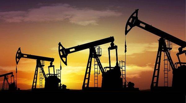В США резко снижаются запасы нефти
