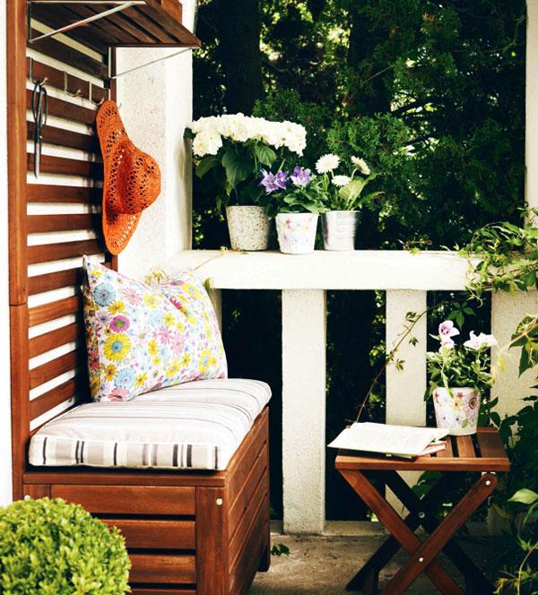 Скамья на балконе