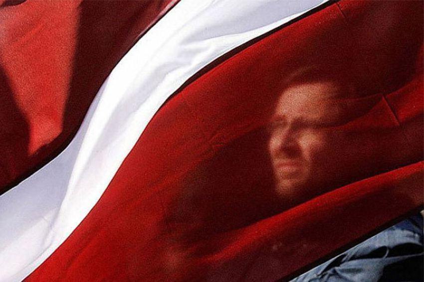 Политолог в шоке: представитель власти Латвии назвал русских «вшами»
