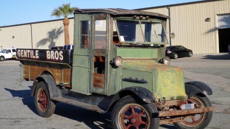 Раритетный грузовик 1928 года на электрическом ходу