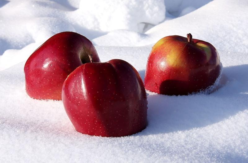 Яблоки на снегу&Странная женщина - Михаил Муромов
