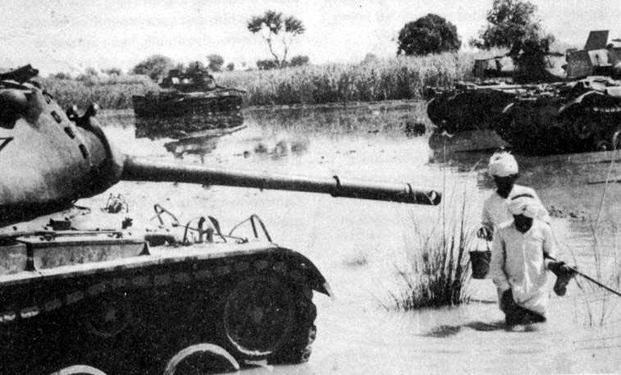 В сентябре 1965 года на полях под Асал-Утаром индийские крестьяне собрали большой урожай «Паттонов» - Индо-пакистанская война 1965 года: танковое сражение за Асал-Утар   Военно-исторический портал Warspot.ru