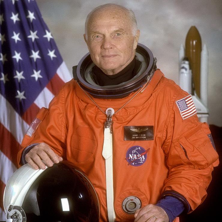 Как американский астронавт Джон Гленн слетал в космос в 77 лет