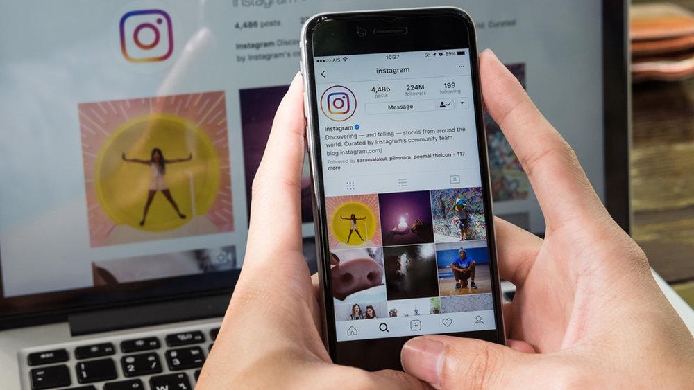 """Instagram запустил покупки в поиске и """"историях"""""""