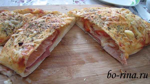 Рецепт на выходные.  Пицца Кальцоне с салями, ветчиной и болгарским перцем
