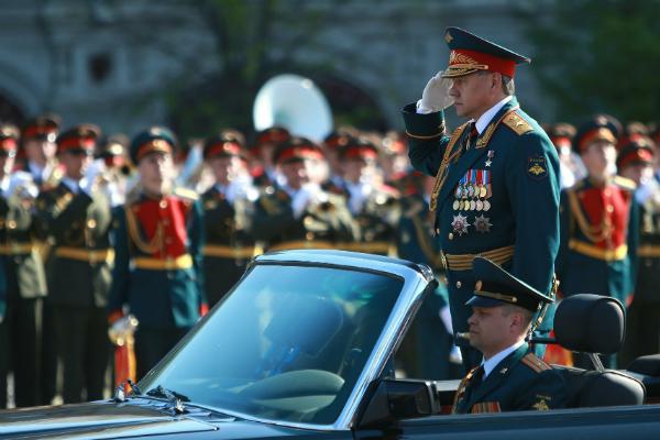 СМИ рассказали о находке, заставившей Шойгу перекреститься перед парадом