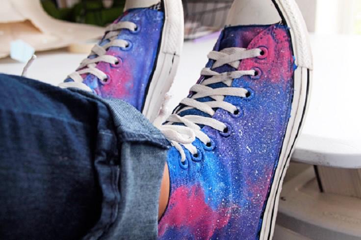 3. Галактика акриловыми красками кеды, обновление, способ, украшение