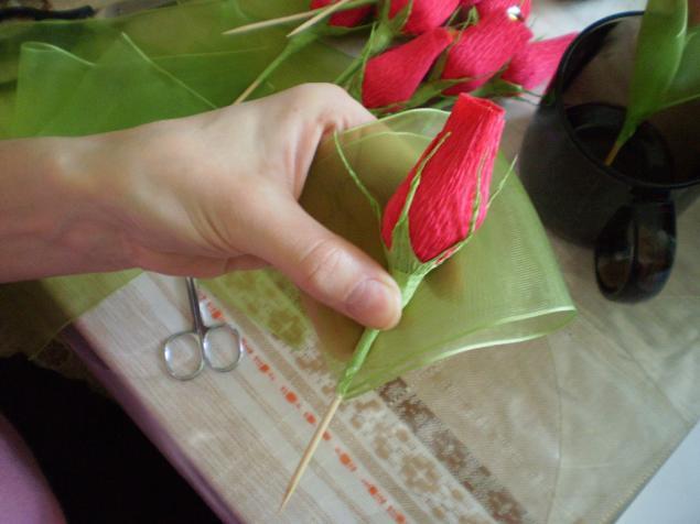 Розы из гофрированной мастер класс с пошаговым