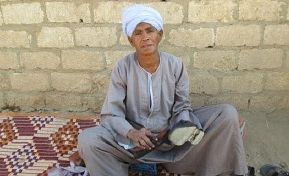 43 года она притворялась мужчиной, чтобы прокормить семью