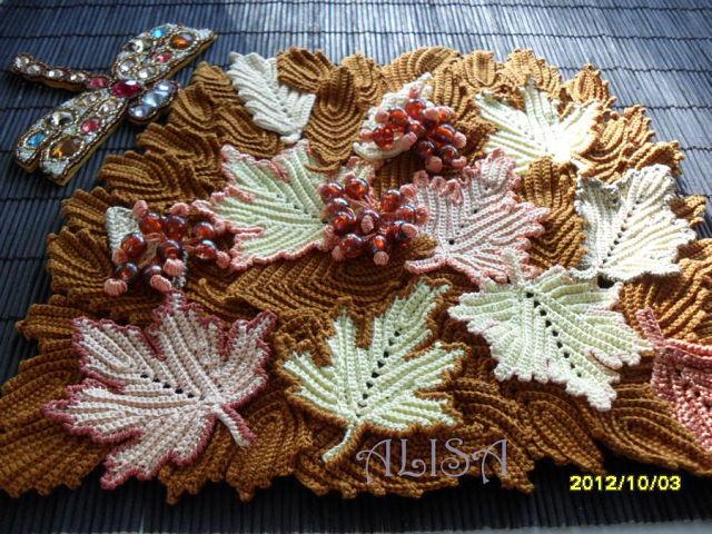 Потрясающая сумочка с декором из листьев. Идея