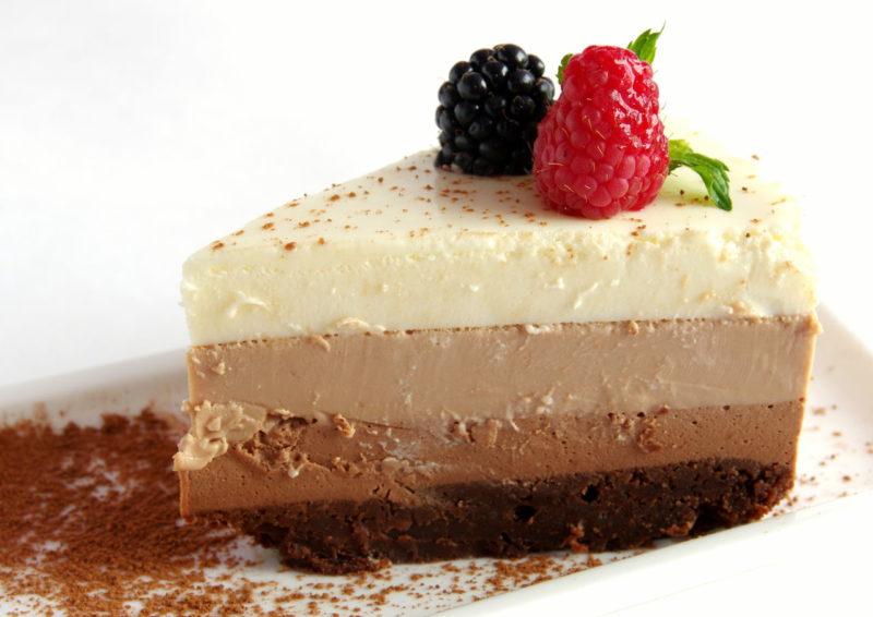 Três bolo de chocolate