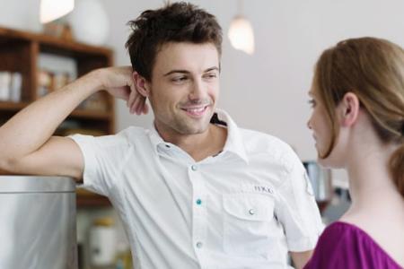 5 признаков что ваш парень любит вас