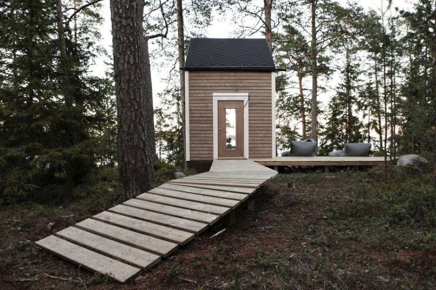 1. Маленький домик в лесу вместительность, дом, размер