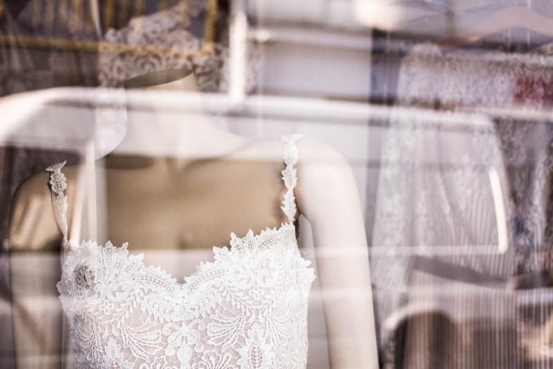 Будущая невестка не хочет переносить дату свадьбы, чтоб свекры смогли присутствовать