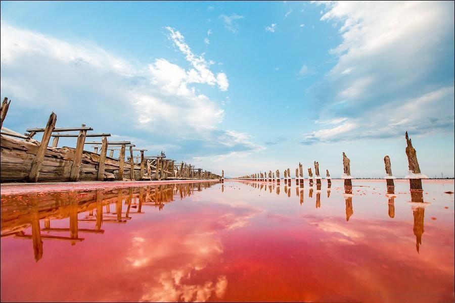 Безумно красивые заброшенные поля для выращивания соли, Крым