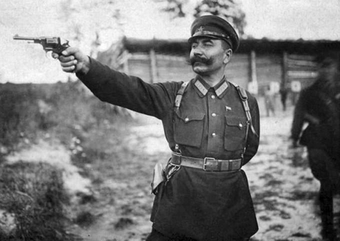 Семен Буденный: как на Великой Отечественной воевал главный кавалерист РККА