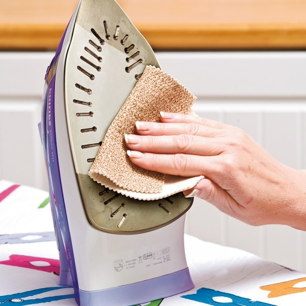 Чем почистить подошву утюга в домашних условиях с тефлоновым покрытием от