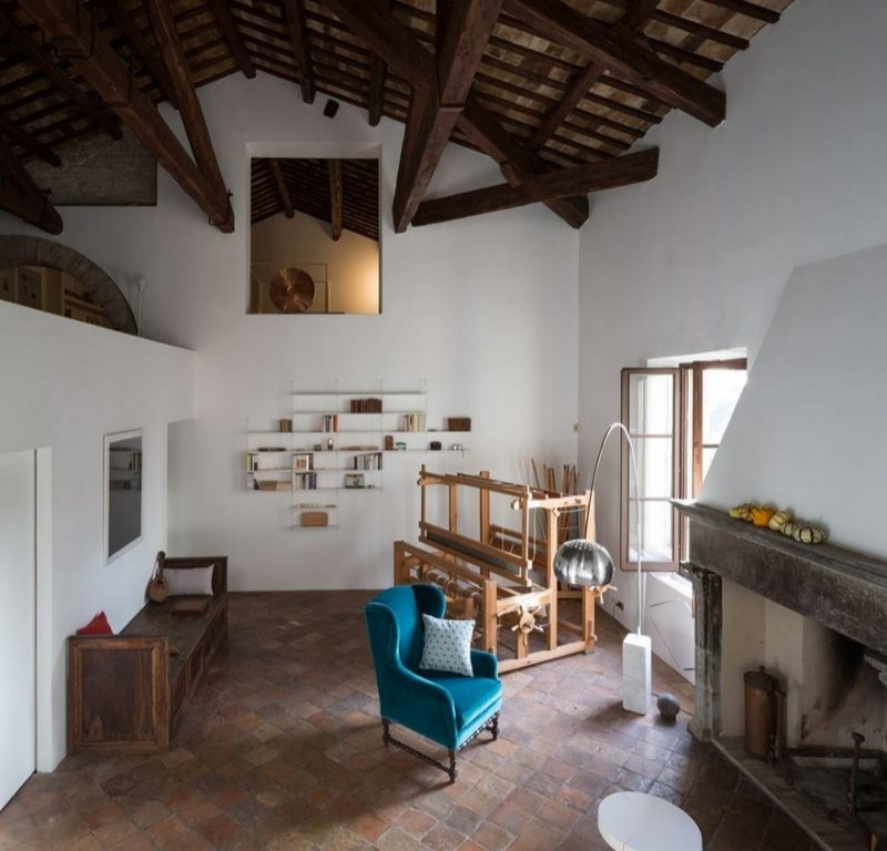 Двухэтажный лофт в исторической вилле в Пезаро