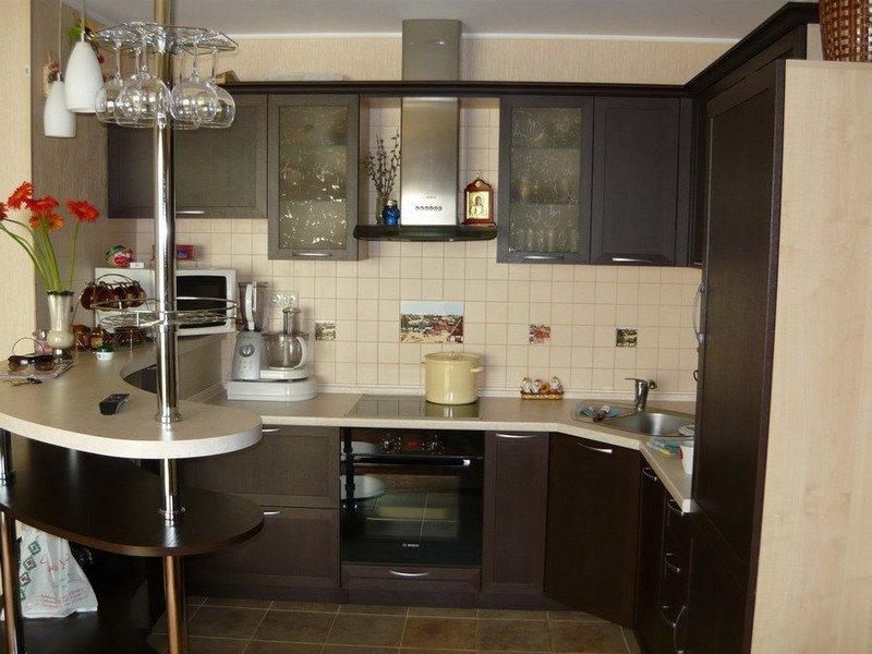 Дизайн небольших кухонь-фото