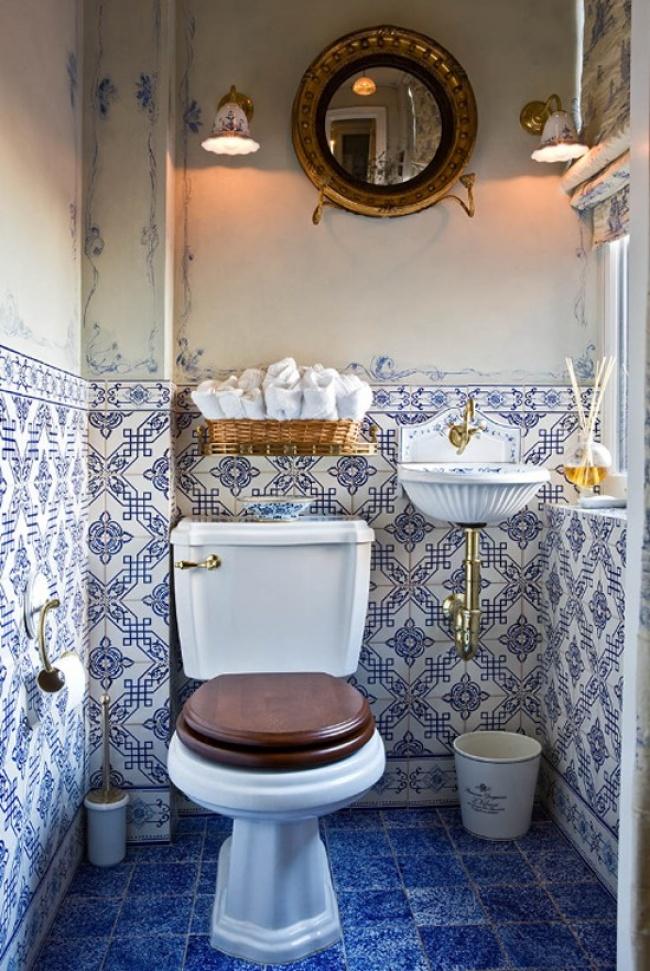 10 дизайнерских уловок для тесной ванной комнаты