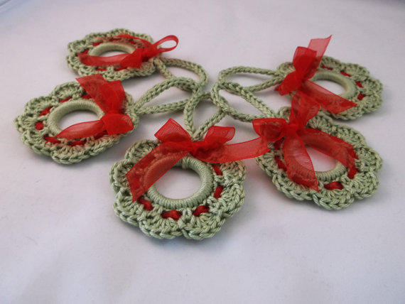 Christmas wreath decoration, Crochet Wreath Ornament, Christmas Wreath Gift Topper,