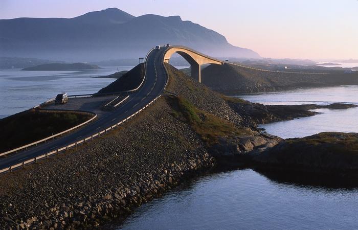 10 невероятных автомагистралей, от поездки по которым захватывает дух