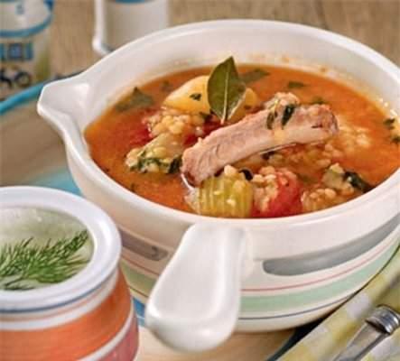 Густой томатный суп из баранины с чечевицей
