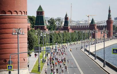 Почти десять тысяч человек приняли участие в полумарафоне в Москве