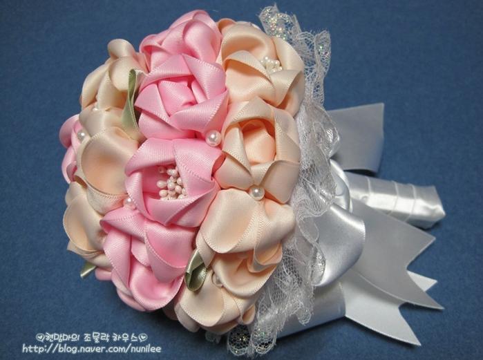 Букет невесты из атласных лент мастер