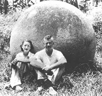 Каменные шары Коста-Рики Внесенные в список Всемирного наследия ЮНЕСКО, эти каменные шары продолжают уже долгое время беспокоить умы ученых. Шары были изготовлены из магматических осадочных пород, но их предназначение остается загадкой.