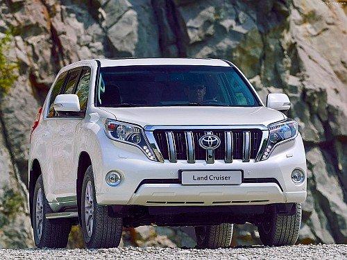 В топ-25 стабильно представлены пять – семь моделей, начальная цена которых около миллиона рублей, а с июля в рейтинг неизменно входит Toyota Land Cruiser Prado (от 2 млн рублей).