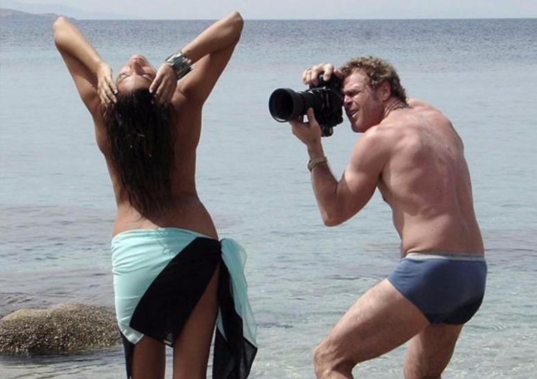 За кулисами эротической фотосессии журнала Playboy