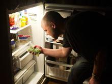 Ночные часы - худшее время для приема пищи