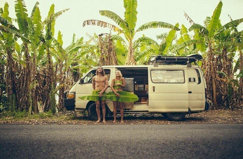 Вот уже четвертый год влюбленные путешествуют по Австралии в своем фургончике Toyota Hiace 2002 года австралия, жизнь, пара, приключение, путешествие, фотография, фургон