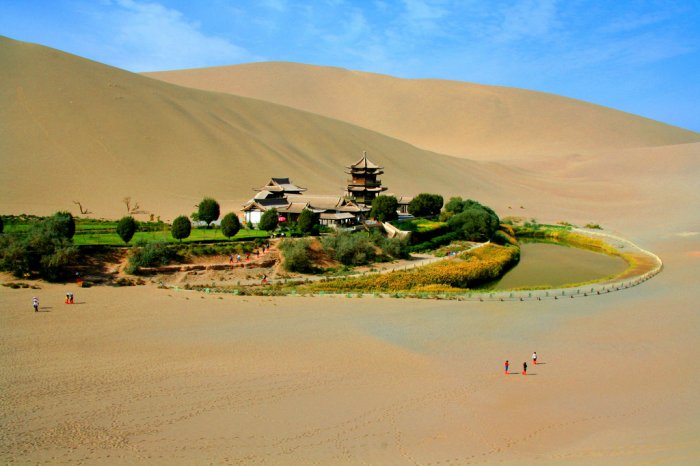 Необычный оазис в Китае